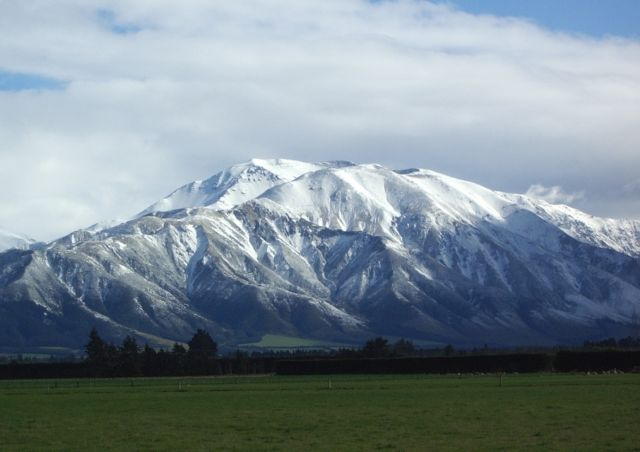 Early snow Mt Hutt low res.jpg