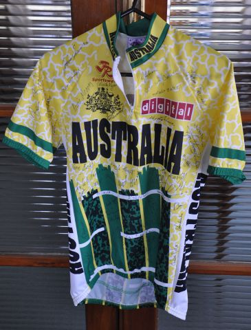 aussie cycling top 001.JPG